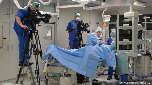SIMON MEDIA sendet aus dem OP: Liveübertragung in der medizinischen Fortbildung