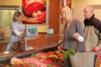 Beim Verkaufsseminar erfahren Metzgerei-Inhaber, wie sie sich zukunftssicher ausrichten und die Strategie auch an ihre Kunden verkaufen können.