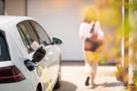 Institut für nachhaltige Stromnutzung (IFNS): Mit dem Elektroauto die Eigenstromnutzung erhöhen
