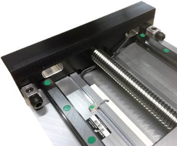LISCO fertigt Spindel-, Zahnriemen- oder Linearmotorachsen einfach oder als Mehrachssysteme und stattet diese zum Schutz der Endlagen und der Gesamtkonstruktion mit Strukturdämpfern von ACE aus, Bildnachweise: LISCO GmbH