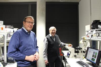 Prof. Dr. Willi Kantlehner (links) und Prof. Dr. Herbert Schneckenburger sind als Seniorprofessoren auch über ihren Ruhestand hinaus der Hochschule Aalen verbunden