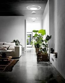 Der VELUX Tageslicht-Spot von Ross Lovegrove bringt natürliches Tageslicht in innen liegende Räume unter dem Dach.Foto: VELUX Deutschland GmbH
