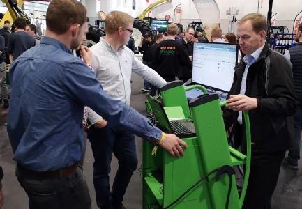 winkler präsentiert auf der Agritechnica Diagnosesoftware und Ausstattung speziell für den Landmaschinen-Fuhrpark