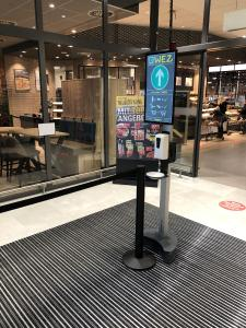 BERNSTEIN entwickelt Hygienesäule mit Kundenzählung für den Einzelhandel