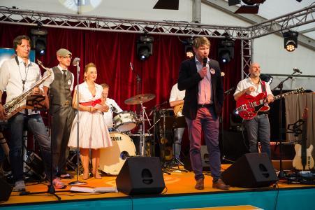 Thomas Glashauser, erster Bürgermeister der Gemeinde Aschheim, freut sich über noris network als neuen Hightecharbeitgeber in der Region (Bildquelle: noris network)