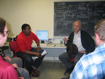 Lernen in Kleingruppen, intensive Betreeung aber wer macht es am Besten. Nun stimmen die Studierenden an der Hochschule Reutlingen ab