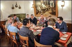 Gemeinschaftliches Abendessen im Gasthof Bären