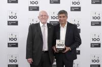 Zum siebten Mal in Folge nahm RK-Geschäftsführer Hartmut Hoffmann (l.) die TOP100-Auszeichnung von Ranga Yogeshwar entgegen