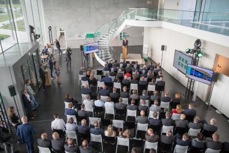 B. Braun weiht Europas modernste Produktionsstätte für Dialysatoren in Sachsen ein