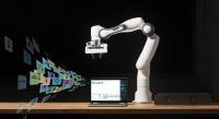 """Kollaborativer Roboter """"Panda"""" am Asseco-Stand: Wenn der Roboter zum Software-Anwender wird"""