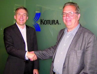 Jan Meise, Chief Sales Officer AMS Technologies (links) und Jean Louis Malinge, Präsident und CEO von Kotura (rechts)