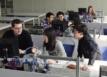 Kooperation mit der Tongji Universität: bildungspolitische Modellprojekt an der Chinesisch-Deutschen Hochschule für Angewandte Wissenschaften (CDHAW)