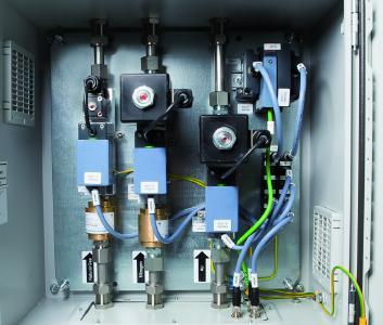 Plug-and-play-fähige Komplettlösungen lassen sich für eine exakte Dosierung und Protokollierung der Gasmengen einfach an die übergeordnete Steuerung anbinden. (Quelle: Bürkert)