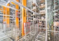 Durch die kompakte Bauweise und die Flexibilität, die palettierte Ware einfach-, doppel- und sogar mehrfachtief zu lagern, nutzt das Dematic Standardised Automated Pallet Storage die vorhandene Fläche optimal aus (Foto: Dematic)