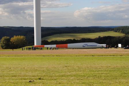 Das 38 Meter lange Rotorblatt zählt zu den spektakulärsten Exponaten des Windwegs