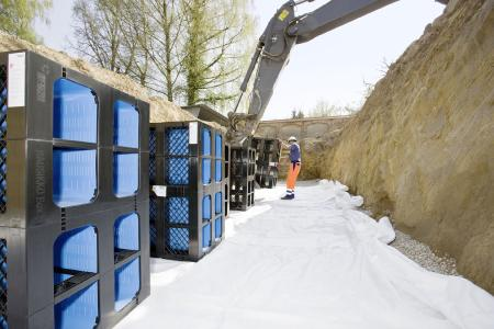 Umgang mit Niederschlagswasser und optimaler Schachtmix (Bildrechte: REHAU)