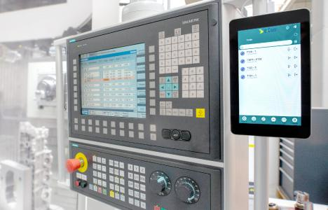 Einfach und schnell wird die c-Connect Box an die Maschine angeschlossen.