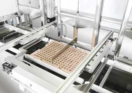 Bei Feinstreinigungsaufgaben, beispielsweise bei Maschinenwerkzeugen vor der Beschichtung, sorgen verschiedene konstruktive Details wie der von UCM entwickelte Vierseitenüberlauf für eine konstant hohe Teilesauberkeit.