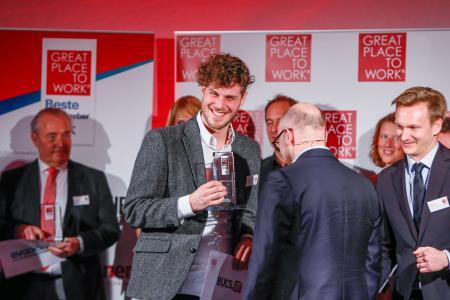 Lukas Atzert bei der Preisverleihung Great Place to Work