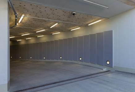 Einfahrtsrampe der Arabeska Tiefgarage in München. Bildquelle: Remmers Fachplanung/Anton Schedlbauer, München