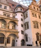 Inner Courtyard of Dresden Castle with foil cushion roof made with Dyneon ETFE / Photo: Richard Huber