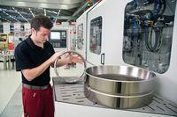 Supfina exhibits peak technology at the Hanover EMO