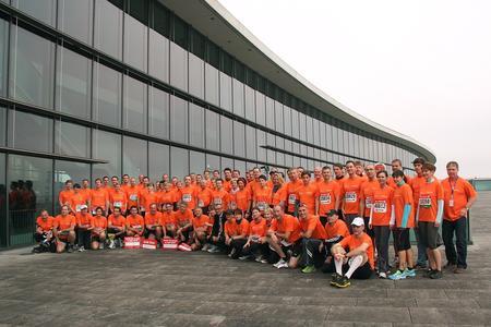 Das Piepenbrock Laufteam erlief mehr als 2200 Euro für den guten Zweck. © Fotolabor Service Görner, Dresden