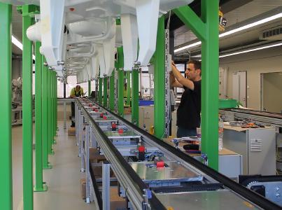 Aufbau der Montageanlage für Antikörpertests für Senova