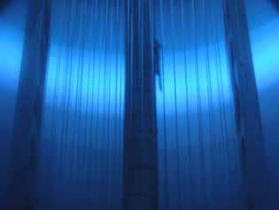 Textilfasern in der Plasmabeschichtungsanlage