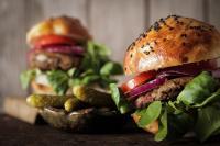 Burger mit Fleischersatzprodukt / Quelle: Depositphotos