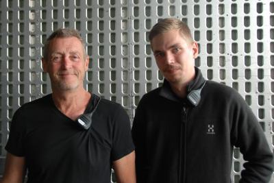 Von Gravity® Stativen überzeugt: Production Manager Ashley Cooke und Systemtechniker Malte Hansen