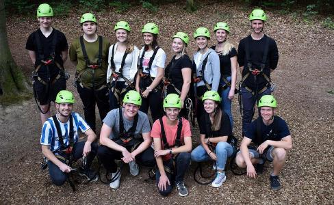 Teambuilding der neuen Auszubildenden im Kletterpark