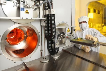 FuE-Reaktor am Fraunhofer IISB zur Herstellung von SiC-Epitaxieschichten