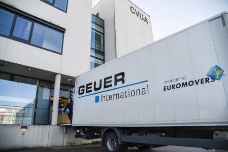 Insgesamt 40 Laborplätze siedelte Geuer vom alten Recklinghäuser CVUA-Standort in den neuen Anbau in Münster um (Foto: Geuer International GmbH)
