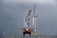 First wind turbine for Trianel Windpark Borkum II erected