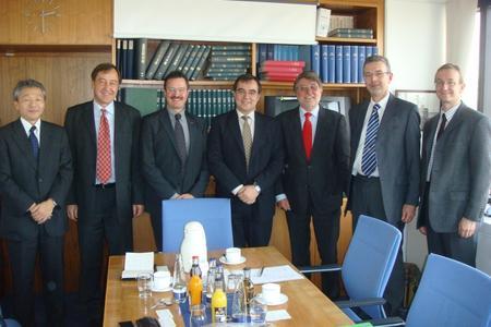 von links: Katsunori Yamanouchi, Georg Beyer, Jürgen Burghard, Goran Hantschel (alle Sony) und Herbert Tillmann, Jens- Peter Imohr, Christoph Kölbl (alle BR)