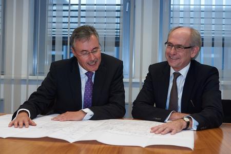 Theo Maas (links), CEO  Siemens Gas Turbines Global und Gunther Müller (rechts), Sprecher des Vorstands der Vattenfall Europe Wärme AG