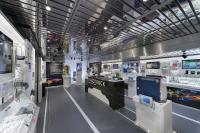 Die Ausstellung im Inneren des InnoTrucks mit über 80 Exponaten wird interaktiv in die Webinare einbezogen. © BMBF-Initiative InnoTruck / FLAD & FLAD Communication GmbH