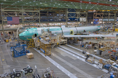 Boeing Joins Fuselage Sections for First 747-8 Intercontinental