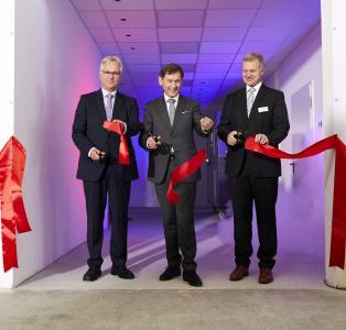 Vorstandsvorsitzender BWP Paul Waning (links), Oberbürgermeister von Herne Dr. Frank Dudda (mitte), technischer Leiter und Teil der Geschäftsführung WATERKOTTE GmbH Andreas Jung (rechts)