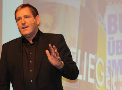 Mit dem Aufkommen von Google TV werden Fernseher und Internet miteinander verschmelzen, prophezeit Business-Vordenker Edgar K. Geffroy