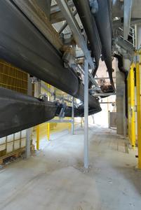 Da der SICON® auch in der Rückführung geschlossen ist, werden Staubentwicklung und Anlagenverschmutzung durch Rieselgüter verhindert. Das schont die Umwelt und schützt das Fördergut