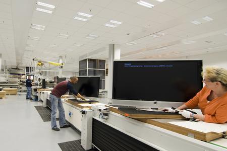 loewe ag eine premiumfabrik f r premiumprodukte loewe technologies gmbh pressemitteilung. Black Bedroom Furniture Sets. Home Design Ideas