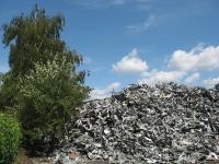Zink ist beliebig oft recycelbar und über 95 % des gesammelten Bauzinks gelangen wieder in den Wertstoffkreislauf / Bildquelle: Initiative Zink/Metallwerk Dinslaken