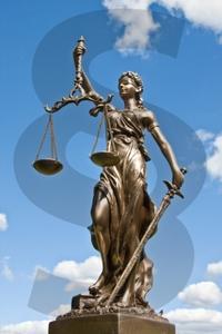 Justitia braucht kein Facelift, sondern eine Reform (Foto: Thorben Wengert/pixelio.de)
