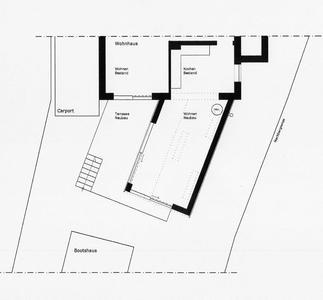 Der neue Holzanbau wurde schräg an die Küche angesetzt, um die vorhandene Wohnfläche um 30 m² zu erweitern. (Grundriss: Dipl.-Architektin Britta Clemens)