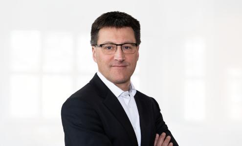 Dr. Mario Lenz leitet seit dem 15. April 2019 das Produktmanagement bei einem der führenden Lösungsanbieter für Software as a Service (SaaS) im europäischen HSE- und CSR-Markt.