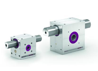 Das Zahnstangengetriebe lean SL® 5.m (li.) eignet sich wegen seines geringen Gewichts besonders für den Einsatz in Verpackungsanlagen. Für schwere Lasten hat LEANTECHNIK das lean SL® 5.5 aus Edelstahl entwickelt