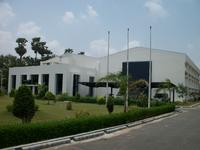 The existing HAVER IBAU INDIA company building was expanded by adding an assembly hall (right) in order to provide space for HIN's growing product variety and to offer customers even greater service