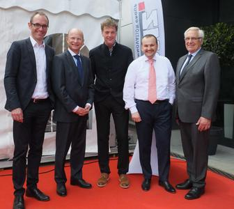 Officially opened up the first section of Europe's biggest battery factory in a ceremony (from left): Marco Schütz (CEO LIST AG), Dr. Ulrich Reuter (District Administrator, district of Aschaffenburg), Sven Bauer (CEO BMZ GmbH), Daniel Fabbiano (Plant Manager BMZ GmbH), Winfried Bruder (Mayor Municipality of Karlstein)